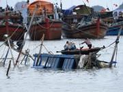 Tin tức trong ngày - Xuất hiện vùng áp thấp đang mạnh dần lên trên Biển Đông