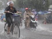 Tin bão mới nhất: Bão số 2 sang Lào, Bắc Bộ và Trung Bộ vẫn mưa to