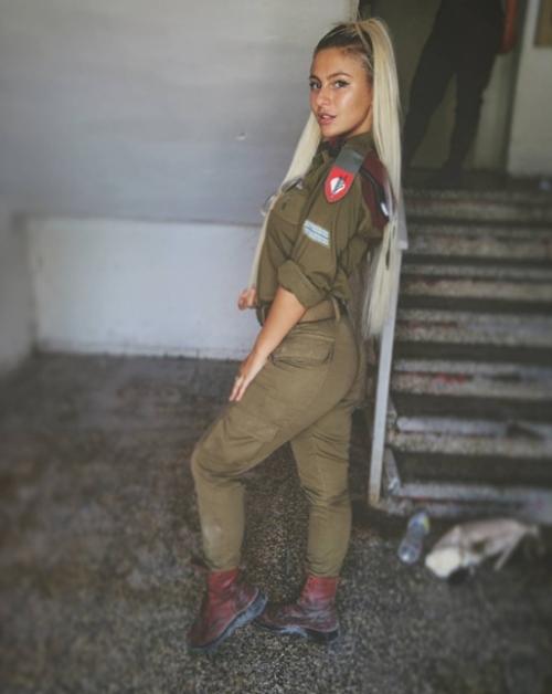 """6 nữ quân nhân quá đẹp khiến anh em muốn """"lao ngay ra chiến trường""""! - 4"""