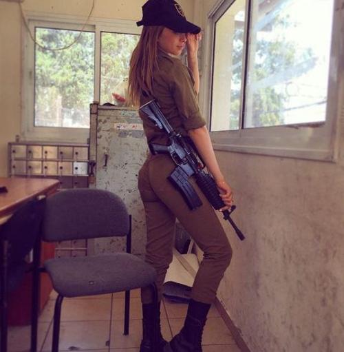 """6 nữ quân nhân quá đẹp khiến anh em muốn """"lao ngay ra chiến trường""""! - 2"""