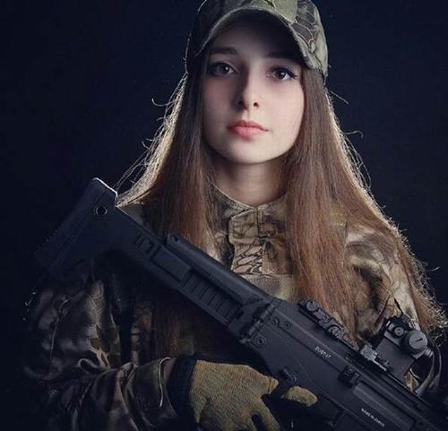 """6 nữ quân nhân quá đẹp khiến anh em muốn """"lao ngay ra chiến trường""""! - 7"""