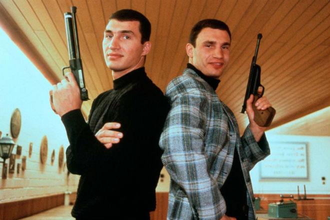 """""""Tiến sĩ búa thép"""" Klitschko giải nghệ: Theo vợ đóng phim bom tấn - 2"""