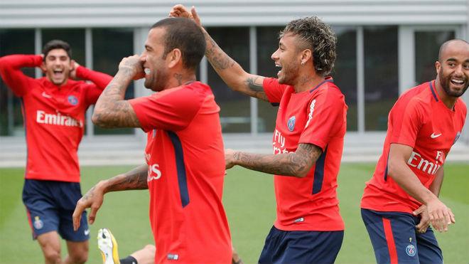"""Vừa sang PSG, Neymar """"bóc phốt"""" đồng đội cũ Barca lừa dối - 3"""