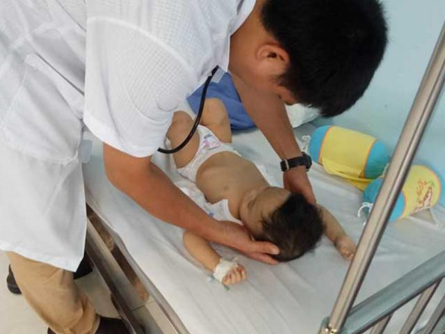 Bất ngờ lộ diện người bỏ rơi bé trai 1 tuổi bị đánh bầm tím toàn thân