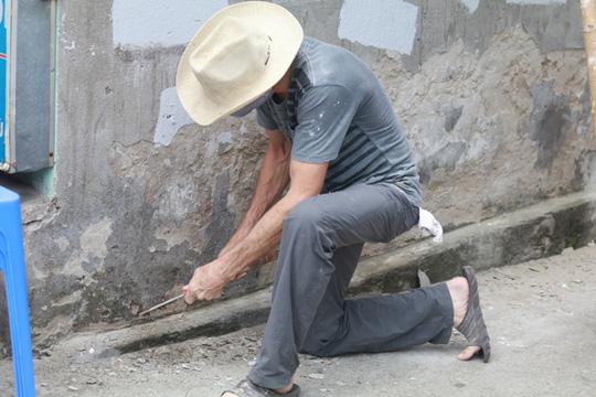 Gặp cựu binh dù Mỹ trở lại Hà Nội diệt… tường bẩn - 5