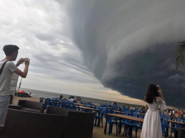 Đang xác minh thông tin mây kỳ quái tựa UFO trên biển Sầm Sơn