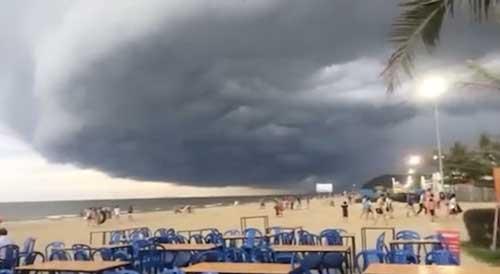 Đang xác minh thông tin mây kỳ quái tựa UFO trên biển Sầm Sơn - 2