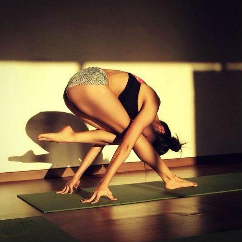 Nữ giáo viên yoga hút hồn vì thân hình hoàn hảo - 10