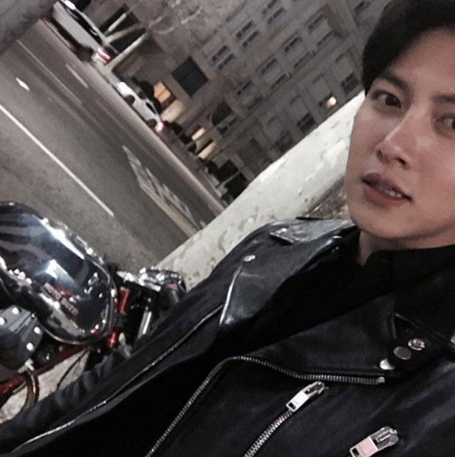 Thú chơi xe phân khối lớn của mỹ nam khiến chị em phát sốt Ji Chang Wook - 3