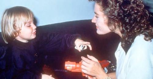 Quá sốc trước cái chết của con trai, Eric Clapton đã viết nên ca khúc bất hủ này - 2