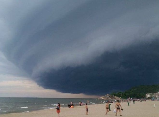 Thông tin chính thức về đám mây đen kỳ quái trên biển Sầm Sơn