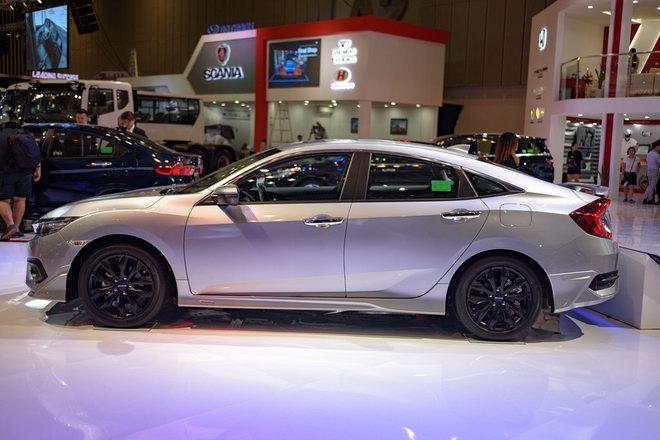 Honda Civic Modulo thêm mạnh mẽ với bodykit thể thao - 3
