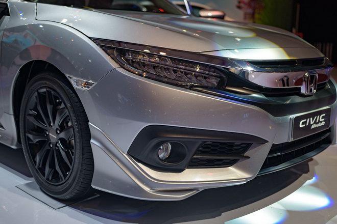 Honda Civic Modulo thêm mạnh mẽ với bodykit thể thao - 7