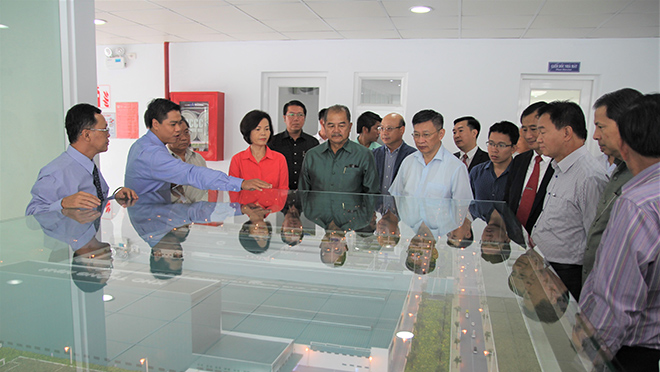 Đoàn đại biểu cấp cao của Lào tới thăm nhà máy sữa Vinamilk tại Việt Nam - 2