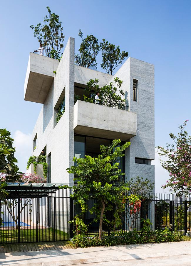 Ngôi nhà này có tên là  Bình House , tọa lạc tại quận 2, Thành phố Hồ Chí Minh.