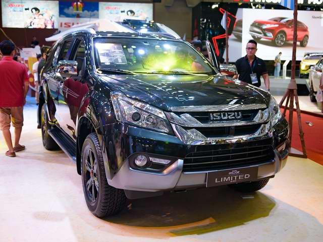 Isuzu mu-X Black Limited Edition 2017 giá 982 triệu đồng - 1