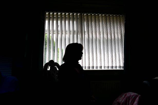 Anh: Lạ lùng nhận tội hiếp dâm vẫn được tòa tha bổng - 4