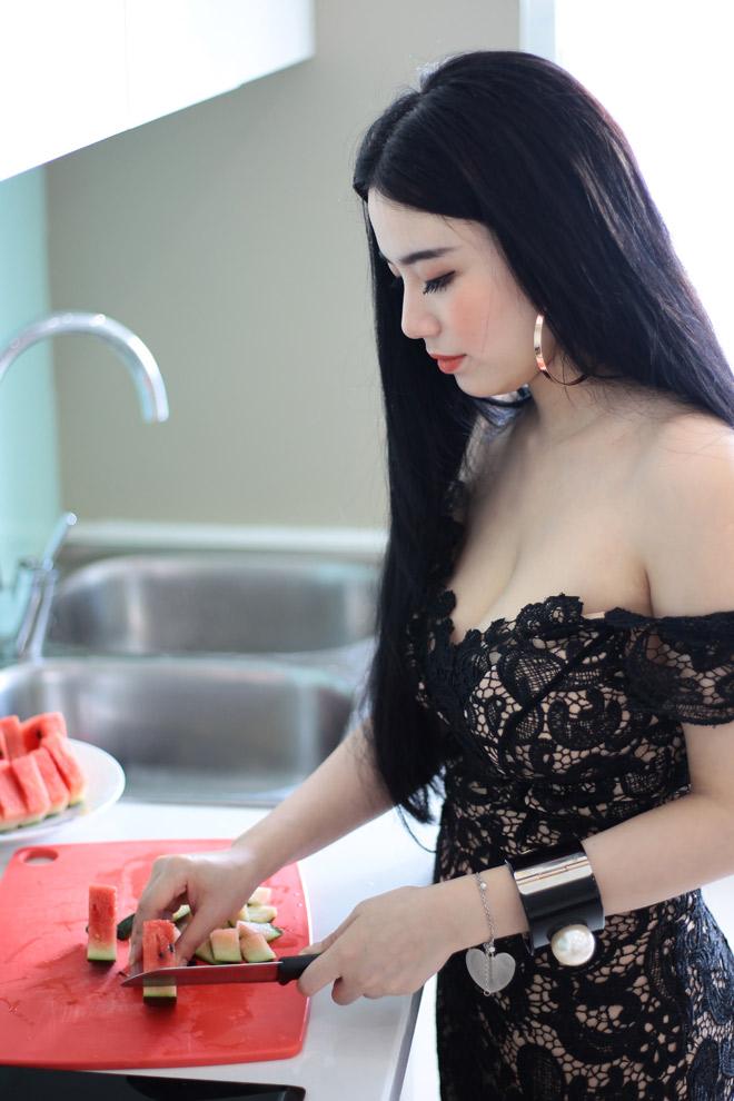 Linh Miu mặc váy ngủ nhảy sexy trong nhà 4 tỷ mới tậu - 10