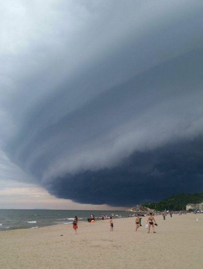 Đây là lý do vì sao đám mây kỳ quái ở Sầm Sơn không thể gây siêu bão - 1