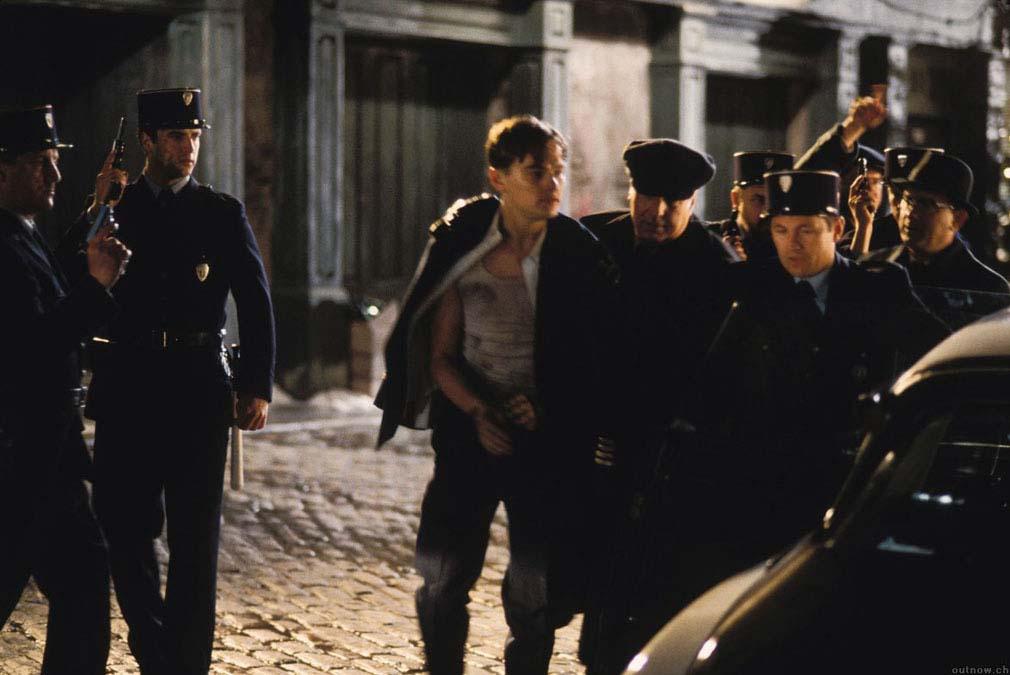 Siêu lừa khét tiếng nước Mỹ: Vai diễn bị bỏ quên của Leonardo DiCaprio - 9