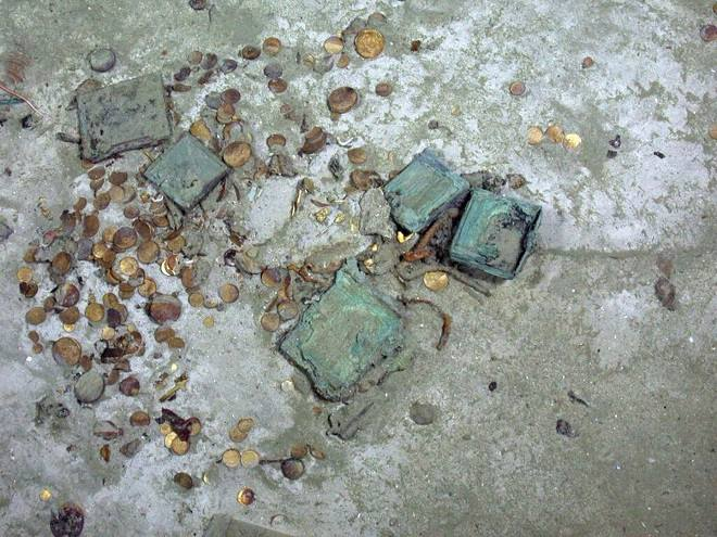 Kho báu 20 tấn vàng chôn vùi cùng 426 người dưới biển Mỹ - 4