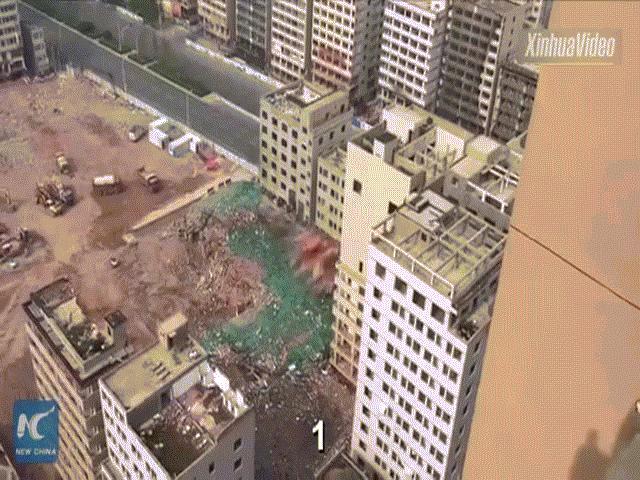 Tòa nhà tự thay đổi hình dáng mỗi giờ ở Trung Quốc - 2