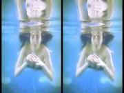"""Mướt mắt ngắm  """" Bà Tưng """"  Huyền Anh gợi cảm dưới bể bơi"""