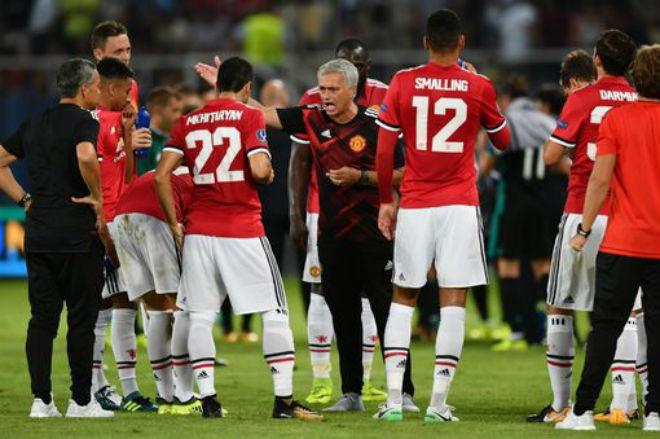 """Góc chiến thuật Real – MU: Mourinho sập bẫy Zidane """"cáo già"""" - 2"""