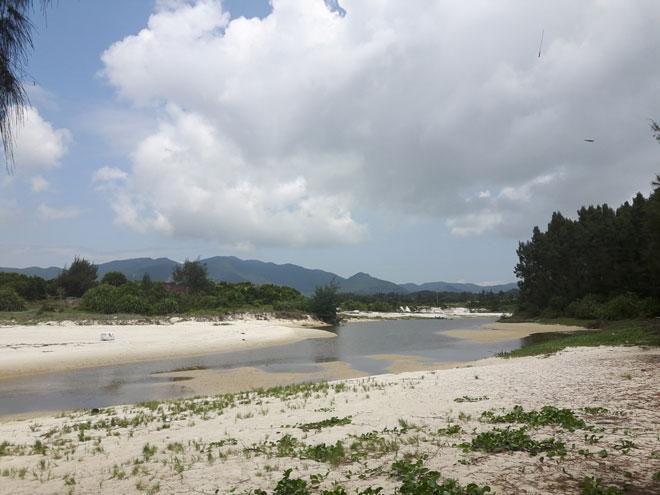 """Gần Hà Nội có một """"hoang đảo Robinson"""" tuyệt đẹp và bình yên đến lạ - 9"""