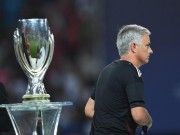 """Bóng đá - Thua Real, Mourinho tặng """"món quà vô giá"""" cho fan MU"""