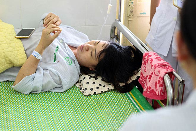 Bệnh nhân nằm la liệt ở hành lang vì sốt xuất huyết hoành hành - 19