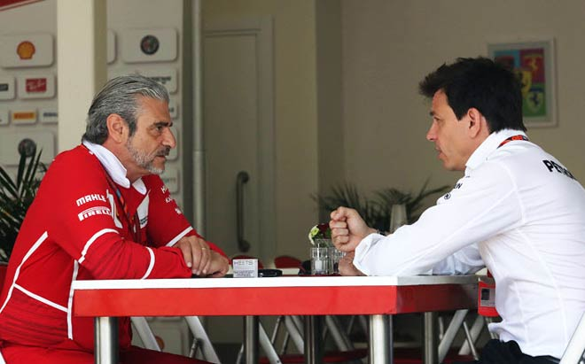 F1, cuộc chiến Mercedes - Ferrari 2017: Những cú đấm vào mạng sườn - 6