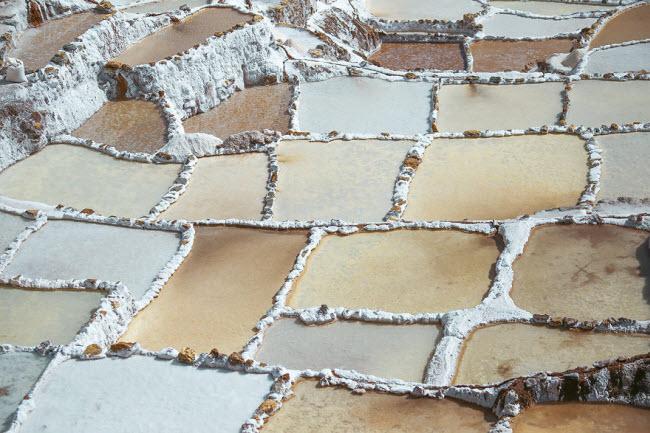 Kỳ quan hồ muối bậc thang độc đáo ở Peru - ảnh 5