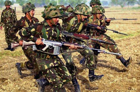 Ấn Độ rút dân, đưa hàng ngàn quân đến biên giới Trung-Ấn - 1