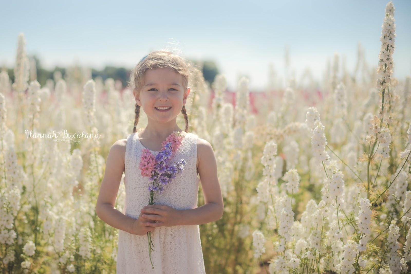 Ngỡ ngàng vẻ đẹp thiên đường hoa mùa hè chỉ mở cửa 7 ngày mỗi năm - ảnh 10