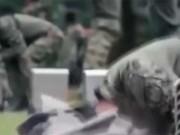 Lính Hàn Quốc rắn như sắt: Húc đầu vỡ gạch