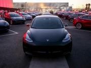 """Tin tức ô tô - Xe điện """"bình dân"""" Tesla Model 3 chính thức ra mắt"""