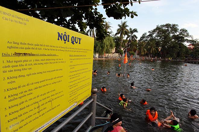 Ao tù hoá bể bơi xanh mát vạn người mê ở Hà Nội - ảnh 9