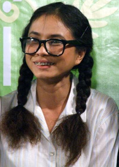 Choáng với tạo hình răng vẩu, ngọng líu lô của các người đẹp màn ảnh Việt - ảnh 7