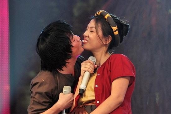 Choáng với tạo hình răng vẩu, ngọng líu lô của các người đẹp màn ảnh Việt - ảnh 9