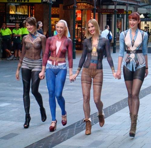 Chẳng nói thì ai biết họ đang không mặc gì ra đường - 5
