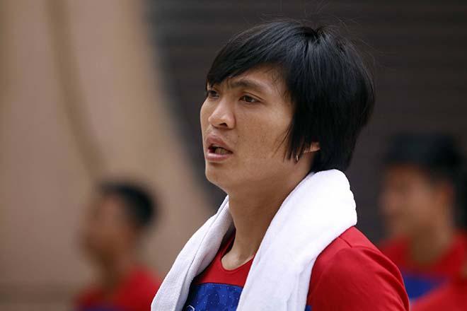 U22 Việt Nam: Công Phượng - Tuấn Anh luyện công trên trời - ảnh 1