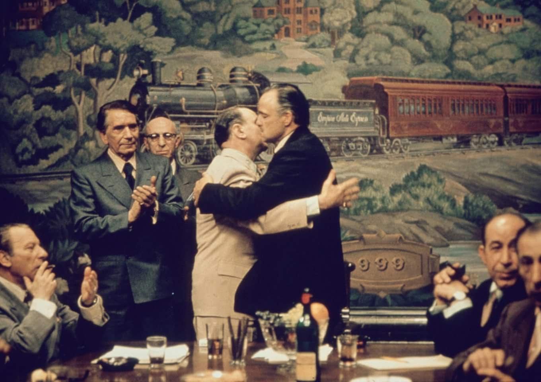 Bữa tối bí ẩn cùng trùm mafia của bóng hồng gợi tình Hollywood - ảnh 3