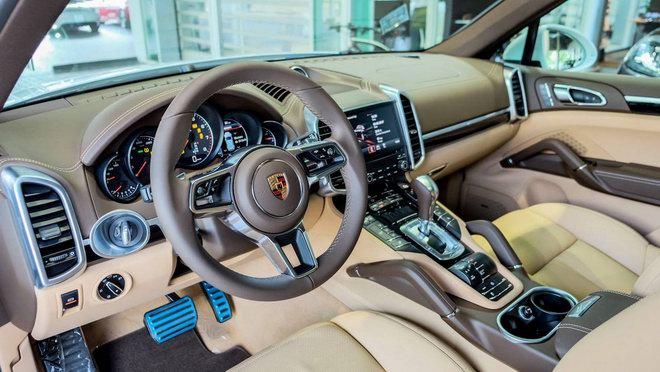 Porsche Cayenne Platinum Edition giá 5,3 tỷ đồng tại Việt Nam - ảnh 2