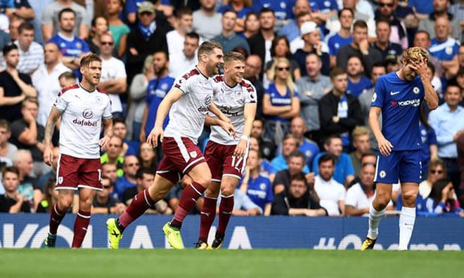 Video, kết quả bóng đá Chelsea - Burnley: 2 thẻ đỏ, 5 bàn thắng kịch tính - 1