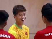 """Bóng đá - U22 Việt Nam: HLV Hữu Thắng bất ngờ nhận """"hung tin"""""""