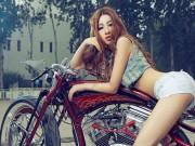 Thế giới xe - Mê mệt chân dài bên xế khủng Harley Davidson