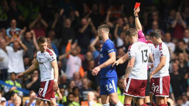 Chelsea thảm bại: Conte đổ lỗi học trò, né chỉ trích trọng tài - ảnh 1