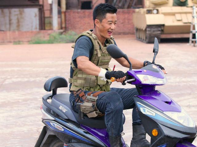 """""""Chiến lang 2"""" vượt bom tấn Hollywood, giành ngôi vương phòng vé Trung Quốc 2017 - 11"""