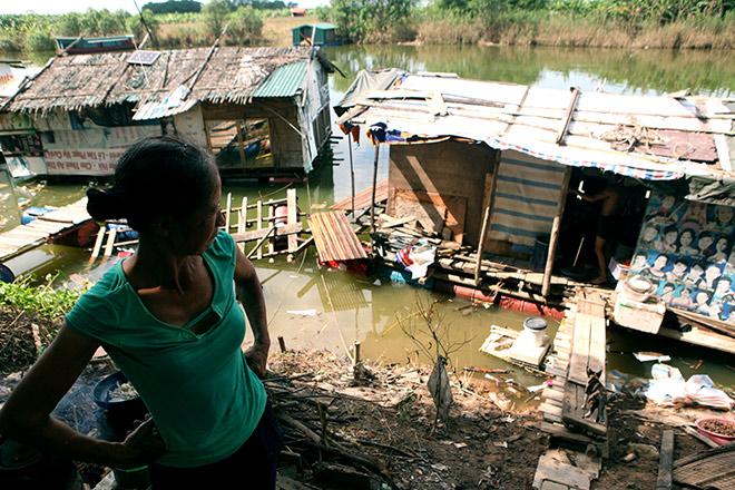 Cận cảnh khu siêu ổ chuột giữa trung tâm Hà Nội - ảnh 9